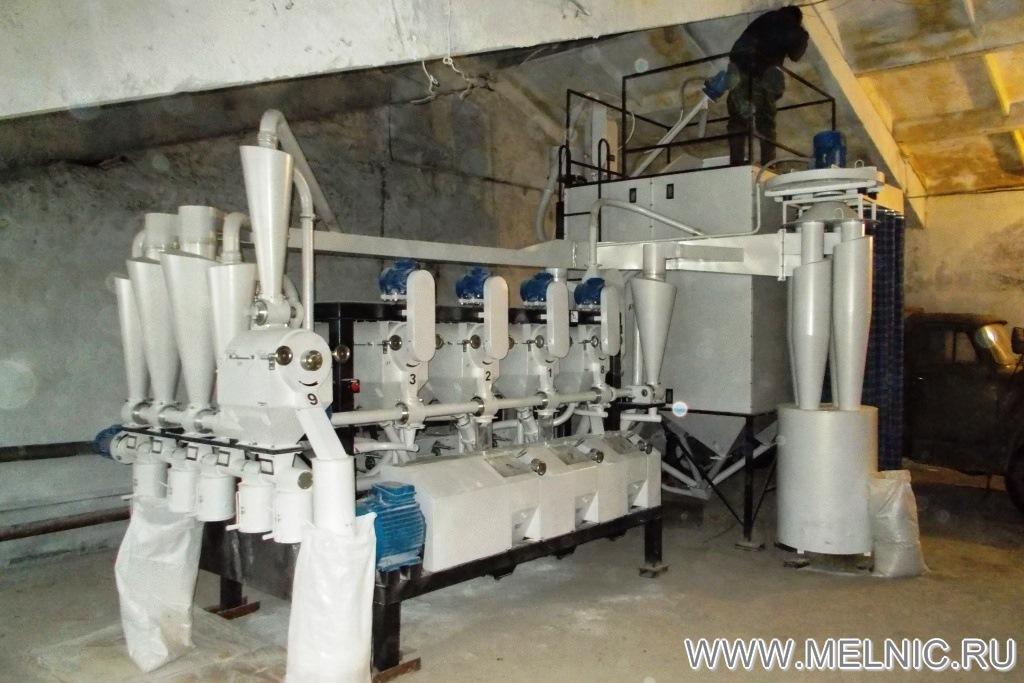 На монтаже мельницы МЕЛЬНИК 700 Эксперт в Самарской области
