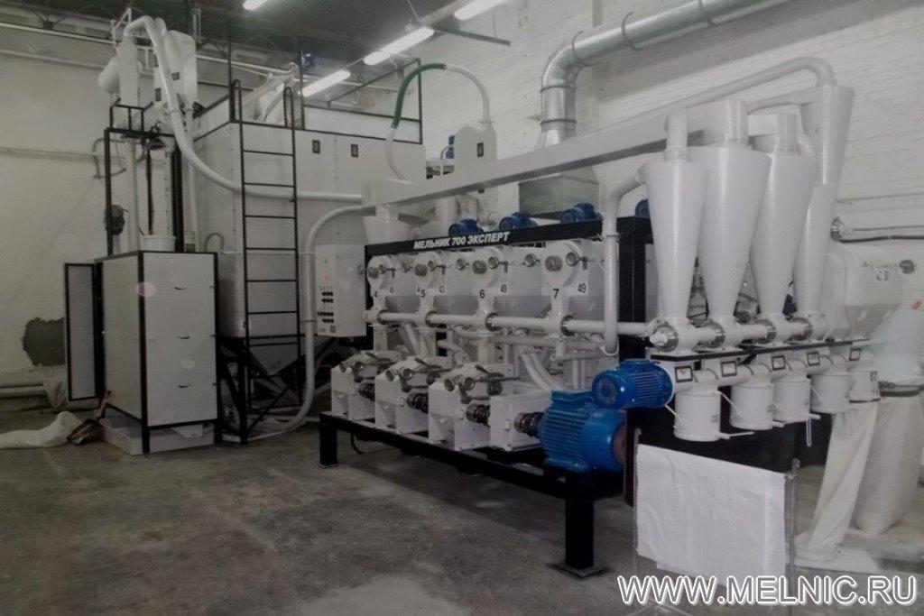 На монтаже мельницы МЕЛЬНИК 700 Эксперт в Ростовской области