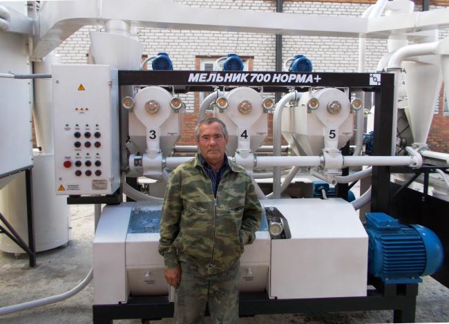 На монтаже мельницы МЕЛЬНИК 700 НОРМА+ в Краснодарском крае